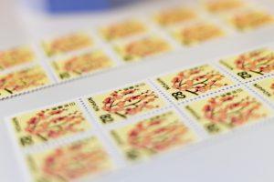 コンビニで販売されている切手の種類